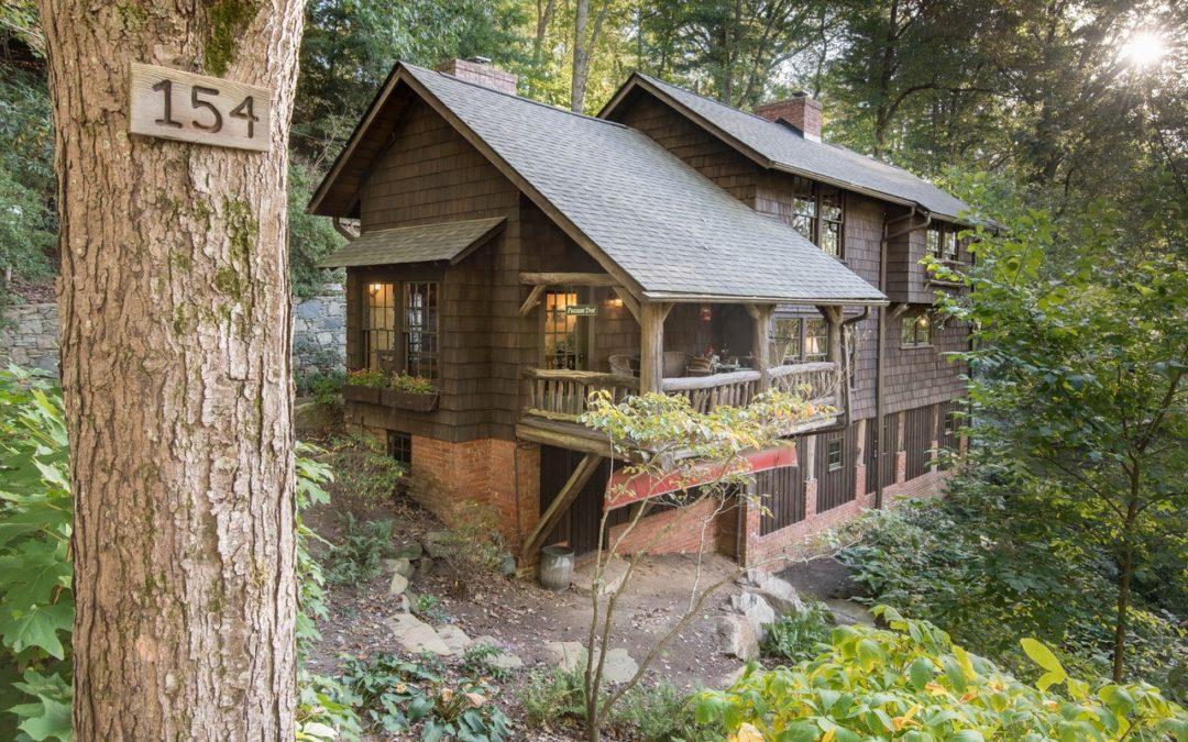 Possum Trot Cottage: A Regular Hummer
